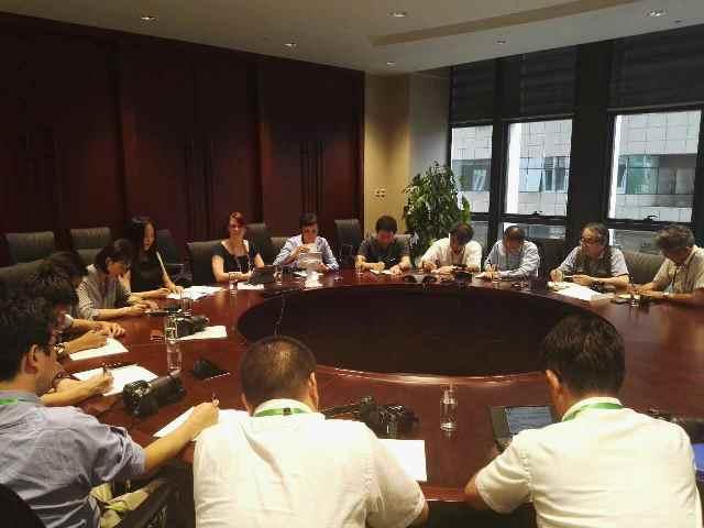 日本の記者団が中国を訪問 AIIBなどを見学