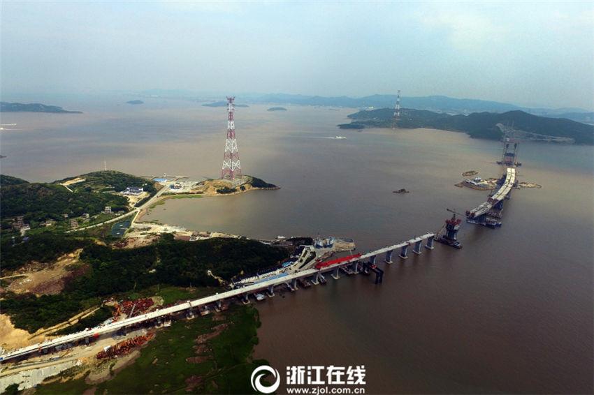 建設中の舟山市秀山大橋、徐々に形が明らかに 浙江省