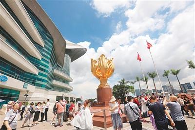 香港を訪れる大陸部観光客、増加回復傾向 香港観光客の約8割に