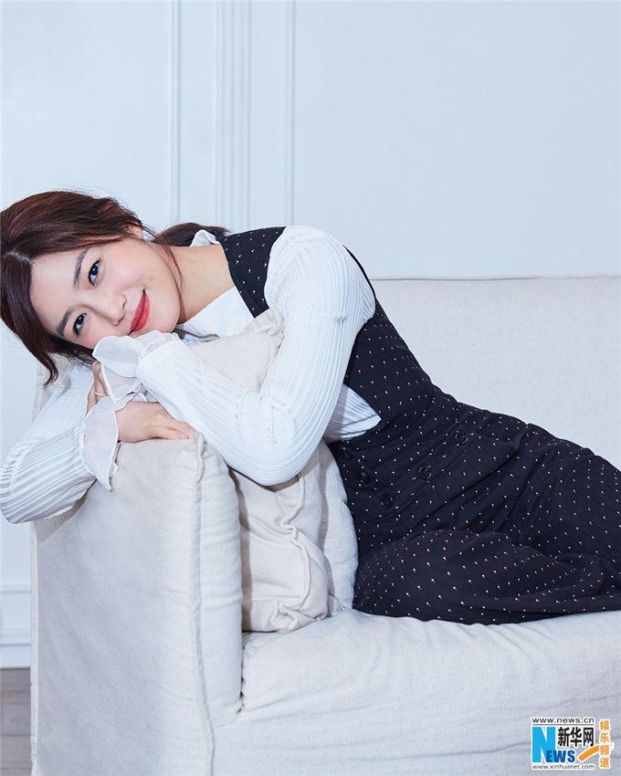 陳妍希 、柔らかさとカッコよさが融合したスタイルで登場