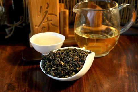 お茶にはダイエットとデトックス効果あり?