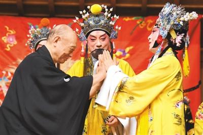 京劇、能楽、歌舞伎が競演する「日中楊貴妃の響演」が東京で開催