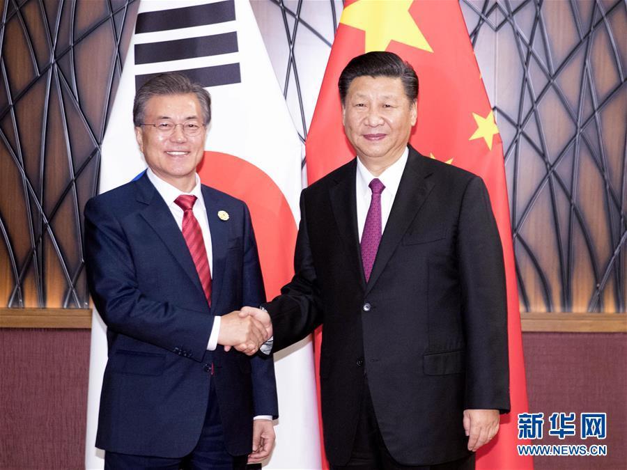 習近平国家主席が韓国の文在寅大統領と会談
