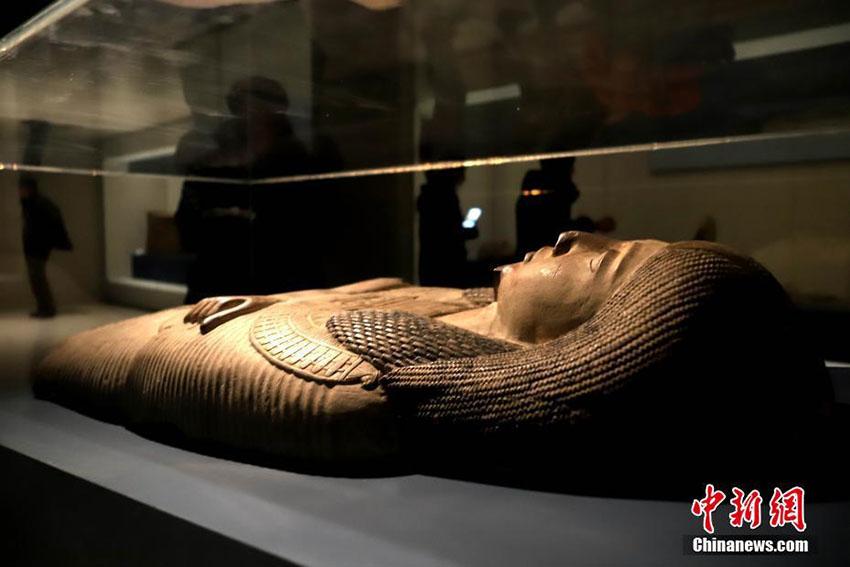河南博物院で古代エジプト展、ミイラやファラオ像など235点