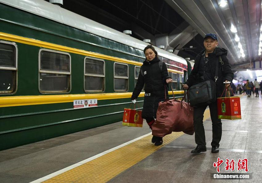 2018年春運が幕開け、北京で今年初の便数追加列車登場