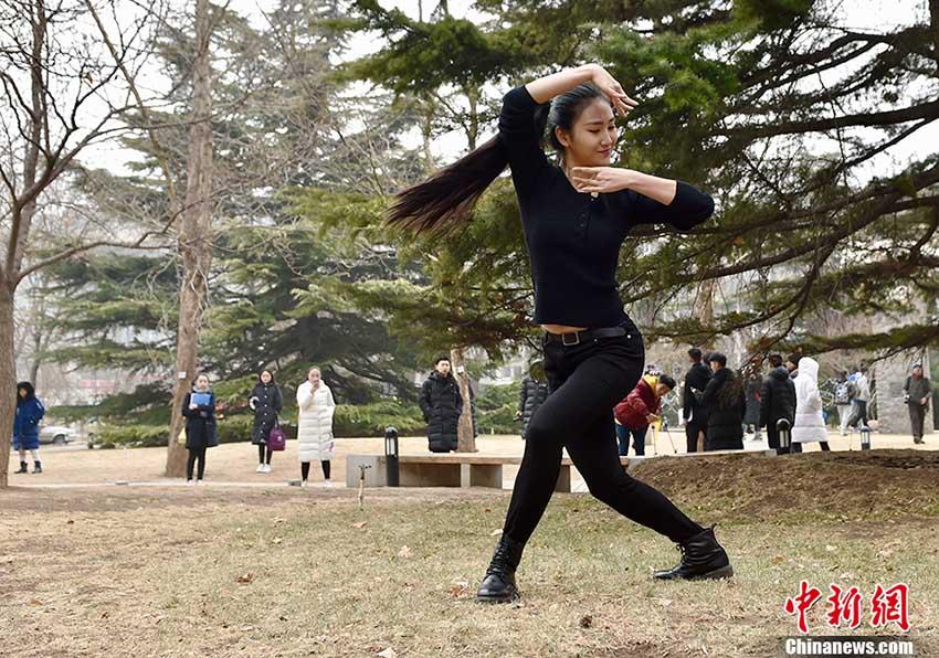 美男美女の競演、北京電影学院の2018年度芸術入試スタート