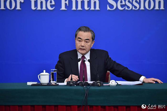 王毅外交部長:日本が躊躇・後退しなければ、中国側は同じ方向に向かいたい