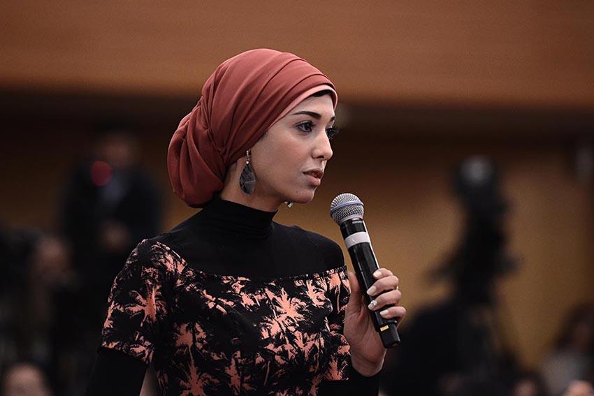 2018年全国両会を取材する女性記者たち