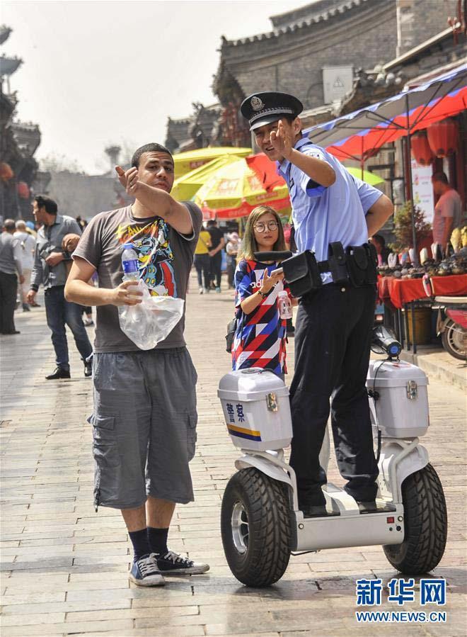 山西省平遥県の警察隊が電動立ち乗り二輪車導入 勤務効率向上を図る