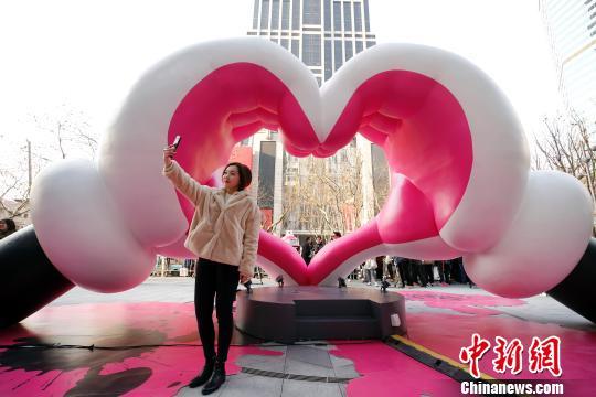 亥年インスタレーションアート展が上海・新天地で開幕
