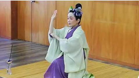 唐の時代の中国から伝わって来た仏教舞踊を見たことが有りますか?先日、目の前に現れるました