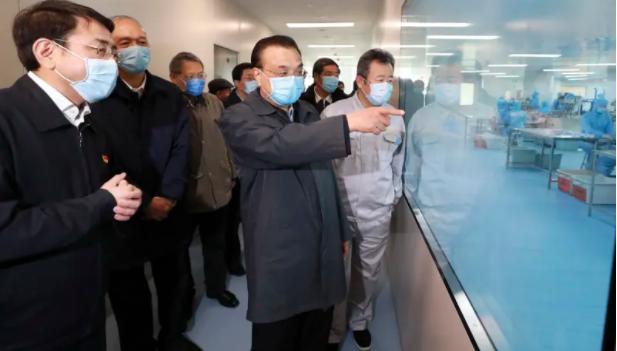マスク生産量は1日あたり1億枚に達する見通しだ  李克強氏、北京市でマスクなど医療物資生産状況視察