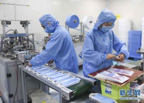 世界でマスク不足が深刻 中国の生産能力で解決できるか