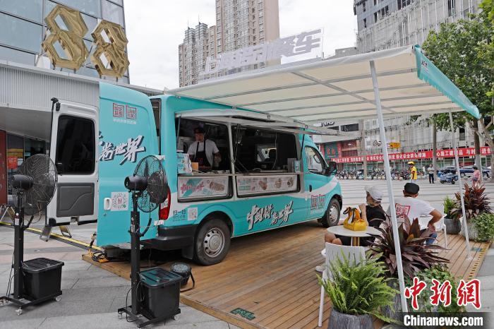 上海の街頭にキッチンカーが登場 新たな「朝食プロジェクト」が始動